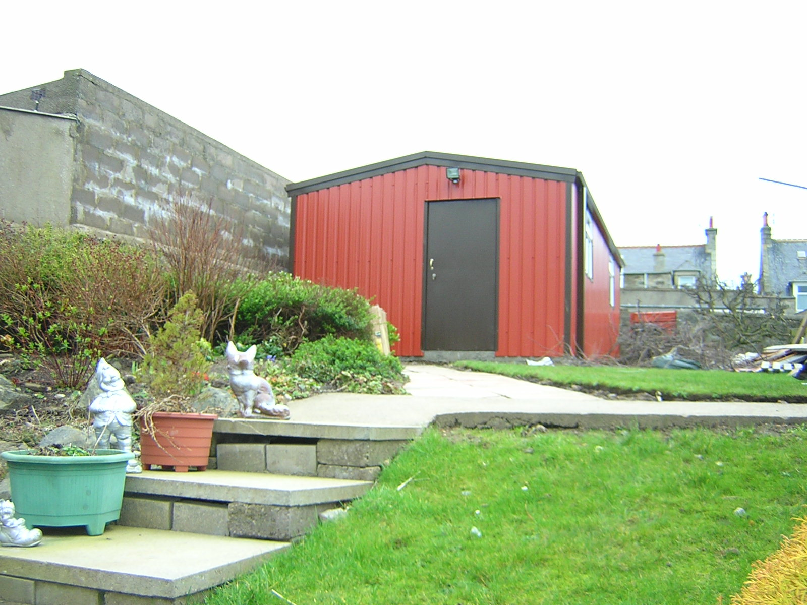 steel-garden-workshop-office